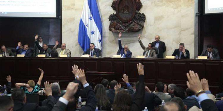 Extractivismo y generación de energía: Las prioridades de la gestión de la pandemia en Honduras